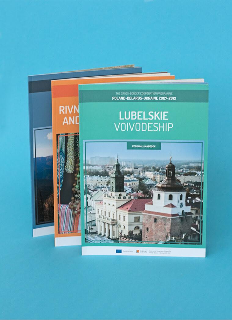 Seria 10-ciu broszur regionalnych The Spirit Of Cooperation. Regional Handbooks, dla Centrum Projektów Europejskich